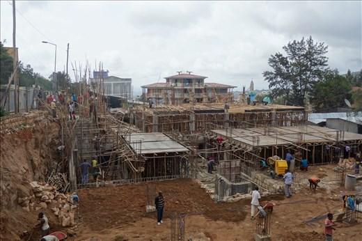 building new smugglers' market