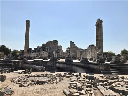 Temple to Apollo, Didyma