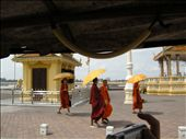 Buddhist monks in the capitol of Phnom Pehn: by laina333, Views[206]