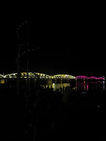 The bridge lit up and cahnged colours at night...