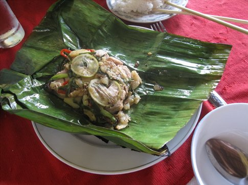 Grilled fish in banana leaf - a popular, delicious dish