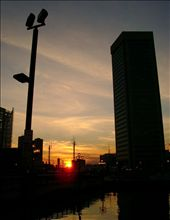 Sunset behind the city of Baltimore: by larissa-casagrande, Views[143]
