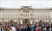 Buckingham Palace: Photobombed by a random couple: by laurenstrong, Views[220]
