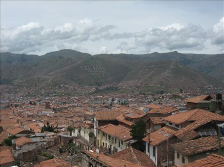 climbing up the north side of cusco