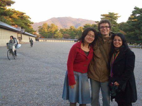 Com nossa amiga Takako no parque do Palacio Imperial.