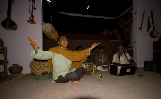 Tribal songs from Ram Nivas and his band of Rajasthani musicians. Barefoot College in Rajasthan