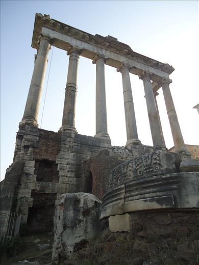 Guessing this part was the Roman Forum, but lack of signage means I'm not too s