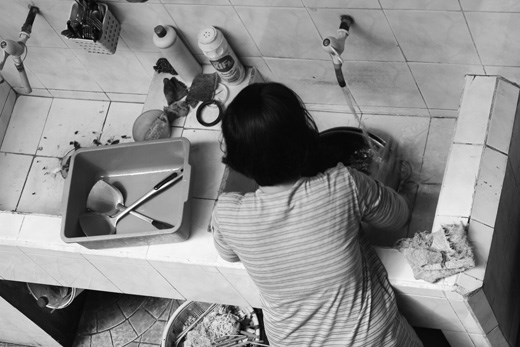 No washing dishes by machine, all by hands.