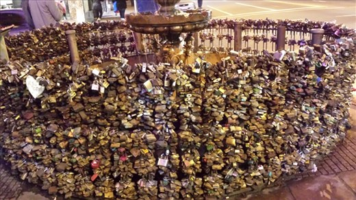 Montevideo. Locks.........signs of commitment?
