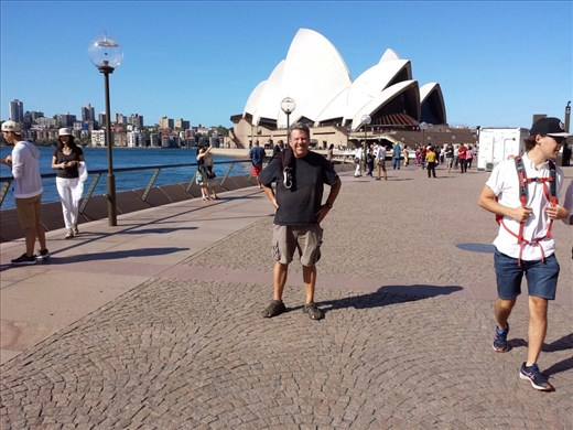 Took a bunch of pictures of the Opera House, quite stunning.