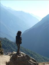 It's a big wide world out there- a small girl ponders what's out there as she looks across the Himalayas. Life growing up in this wonderful mountain range can be magical and challenging at the same time. This image tries to capture pondering in it's rawest form. : by livelife, Views[590]