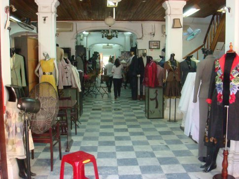 Entrance to Yaly Couture, the main source for my tailoring needs