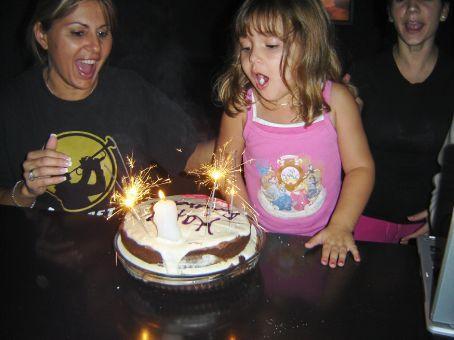 Sammantita´s birthday and our jacked up cake!