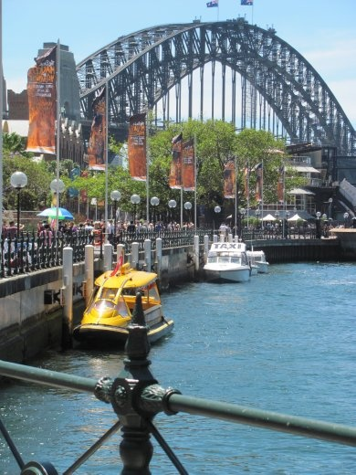 Can't mistake the Harbour Bridge