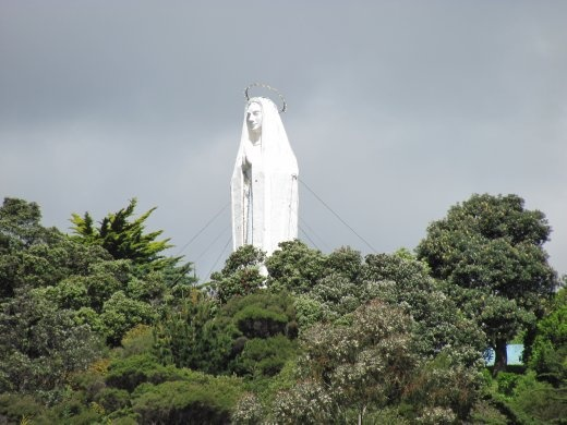 Towreing sculpture of Mary, at Paekopapopa, just out of Wellington