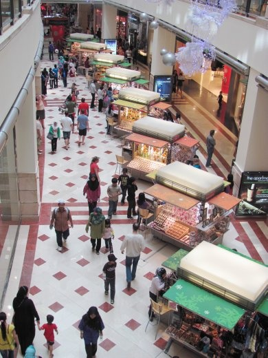 Ground floor of the glitzy Petrona mall - this is the modern version of market stalls!