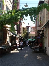 Ruazınhas tıpıcas de Istanbul...estreıtas e cheıas de cafes e bares...: by lu_cristina, Views[260]