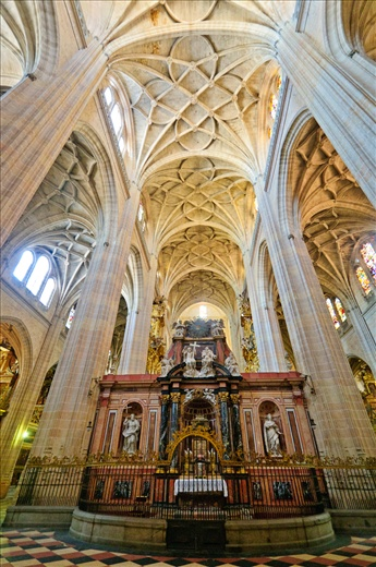 Spirituality - With pillars that reach the heavens, and frescos that bring alive stories of Saints, the Cathedral of Segovia stands witness to the devoutness of it's people.