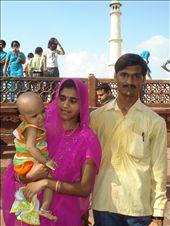 Some friendly folks at the Taj Mahal: by luke_traveller, Views[116]