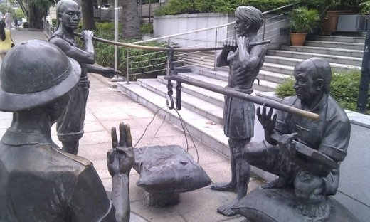 Statues at North Boat Quay
