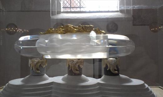 Model of coffin for Danish Queen