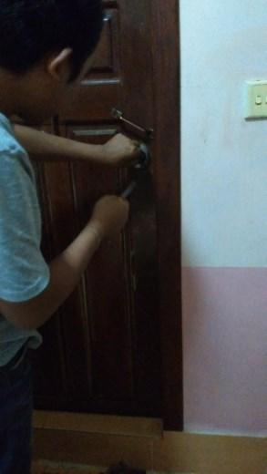 Hadn't noticed the door handle was broken on the toilet door. Had to get the receptionist to jimmy the lock.