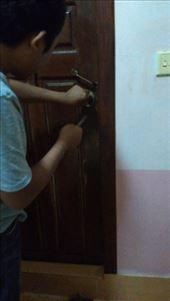 Hadn't noticed the door handle was broken on the toilet door. Had to get the receptionist to jimmy the lock.: by macedonboy, Views[135]