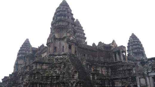 The upper level of Angkor Wat - 4 cardinal points