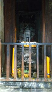 The upper level of Angkor Wat - A sleeping Buddha: by macedonboy, Views[59]