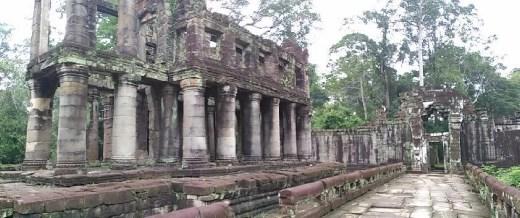 Preah Khan - Two story pavilion