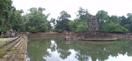 Neak Pean - The artificial island with a Buddhist temple on a circular island