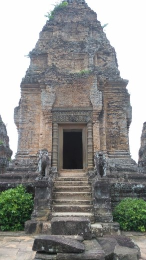 Main temple at East Mebon