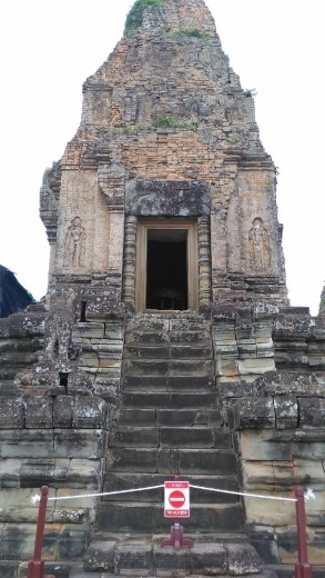 Main temple in East Mebon