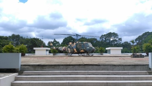 Helicoptor that attacked the palace during the Vietnam War