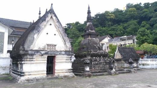 Random building in Wat Mai Suwannaphumaham