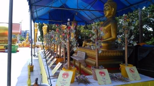 Wat Phra Khao Yai - Various statues