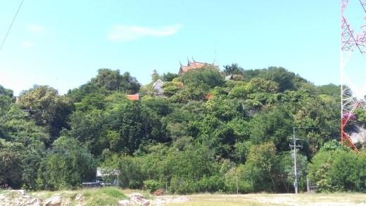 Wat Khao Takiap from afar