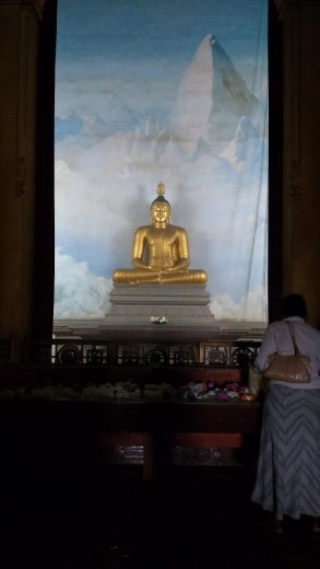 Main shrine of Kelaniya Raja Maha Vihara