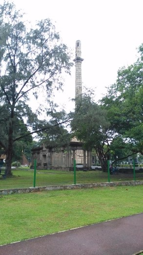 World War Memorial from Viharamahadevi Park