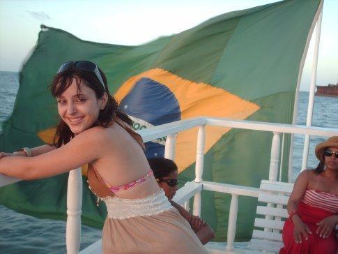 Meu gatinho registrando minha brasileira figura, antes de embarcar pro Chile. :)