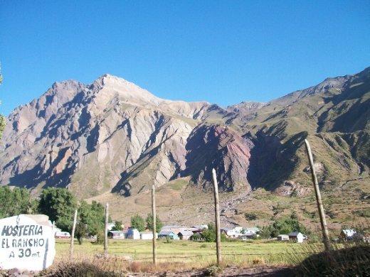 Termas del Flaco: vilarejo ao redor de águas termais, derivadas da atividade do vulcão Tinguiririca.