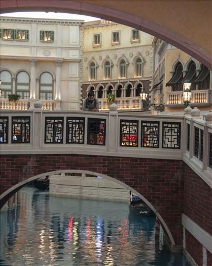 No sabía que Venecia estaba hecho de prefabricados y carton piedra.