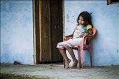 Niña de Marsella quien juega y no entiende el Tiempo: by marcela_gaze, Views[142]