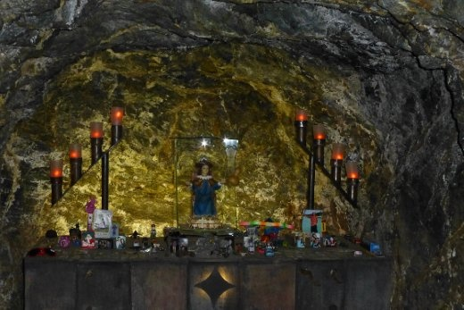 Shrines for the dead in the mine