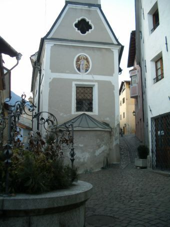 We popped into Brixen after our day on the slopes, a gorgeous little town nestled at the foot of the valley...