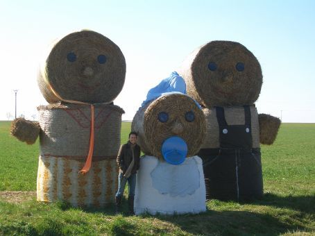 Now back to the Spring/Easter theme... even the Haybale Family were out exhibiting their offspring. This farmer obviously has too much time on his hand!