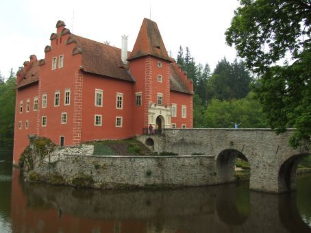 On the road! Heading through South Bohemia we took a detour to Cervena Lhota, a chateau built on a rocky crag in the middle of a lake. Note the madwoman in blue on the bridge...