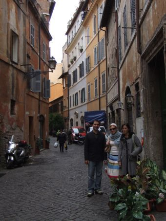 Brian, Sarah and Maria taking in the gorgeous alleyways of the old town.