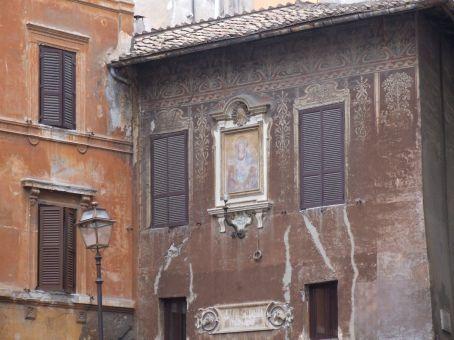 Some of the architecture surrounding the Campo de' Fiori.