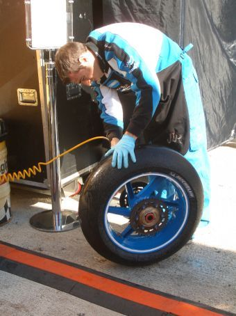 Cleaning Vermeulen or Hopkins' tyres